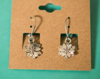 Daisy Flower Tiny Silver Earrings