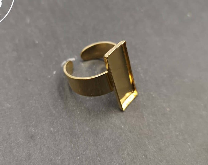 7.5x21.5x1.5mm rectangle ring in gold finish brass