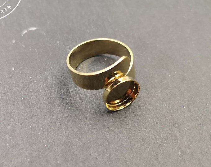 Double ring support 6mm wide with a bowl of brass finish gold