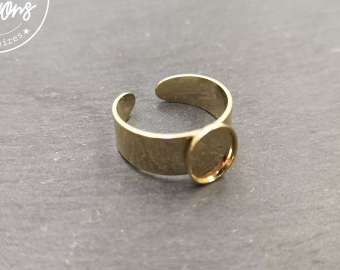 8x10x1.5mm gold finish oval ring holder - Made in France