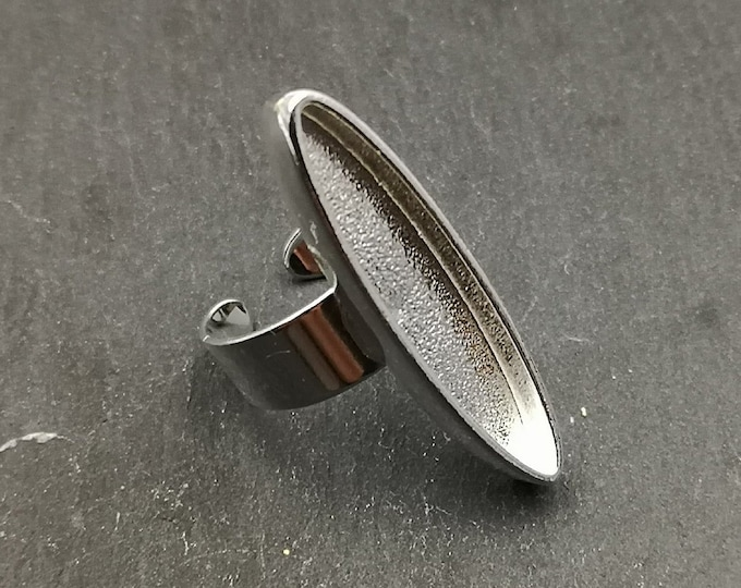 Default at bowl bottom - 8x37X4mm long oval ring - Brass/white iron silver finish 925