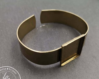 13mm wide ribbon bracelet and 19x19x2mm square bowl - Brass finish brass