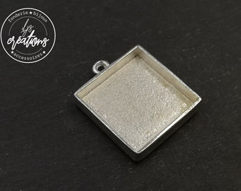 With default - Square pendant 22.50x22.50X4mm - silver finish tin 925