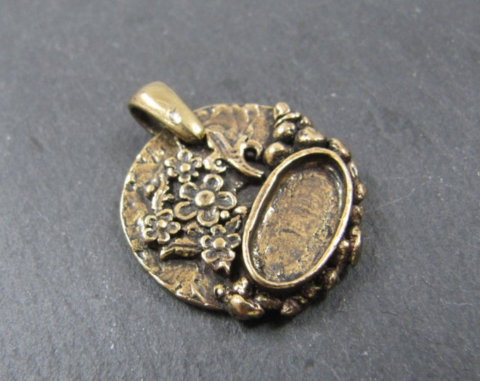 Round pendant + bail with tiny flowers o22mm 7x14mm Tin finish Bowl with Bronze