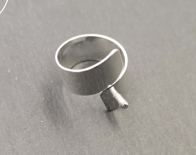 10mm wide ring holder with 5x2.5mm brass screw finish silver 925