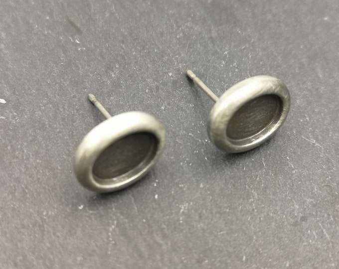 End of stock - medium earrings studs - oval with 6x8mm - Metal Bowl