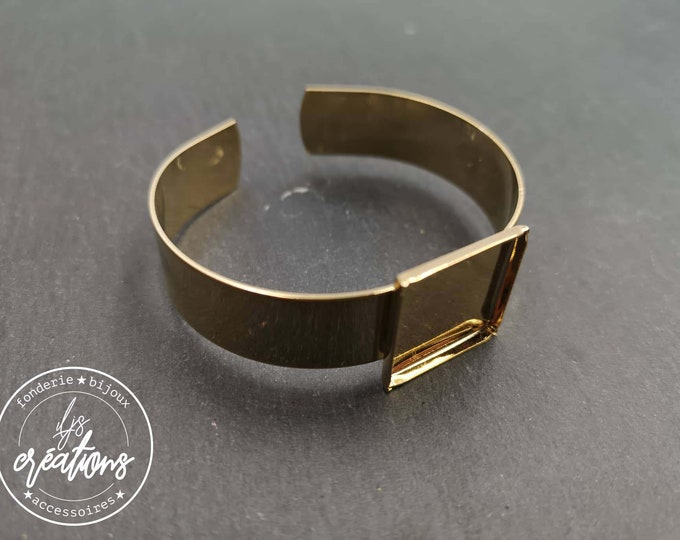 13mm wide ribbon bracelet and 19x19x2mm square bowl - Gold finish brass