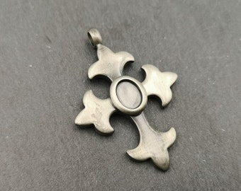 End of stock - pendant cross 30x38mm - 6x8mm - Metal Bowl