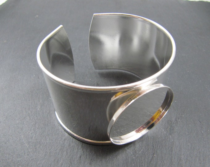 Made in France - Support for cuff bracelet '30x2.5mm with bowl of '30mm - brass finish silver 925