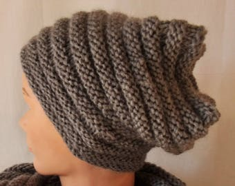 The slouchy Beanie Hat: super trendy and trendy accessory.