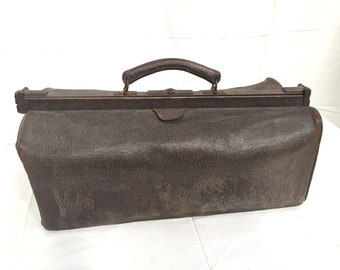 55ab746364a3 French leather doctors bag.