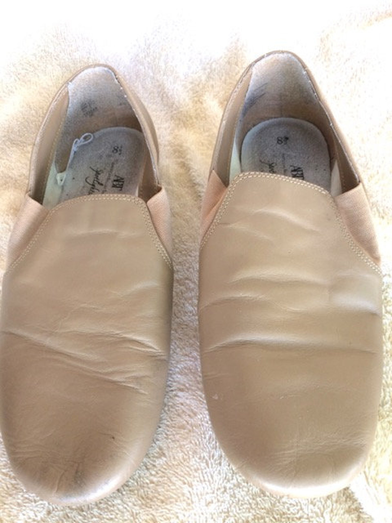 american ballet jazz shoes size 8.5 clean and ready to rehearse in. vintage classic ballet shoes for jazz dancing
