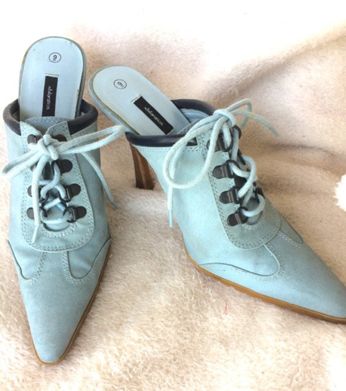 01a86fadcf3 Size 9 blue suede shoes high heels 5 vintage pointy toes