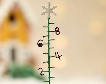 #207  Reynolds  1//12th Scale all alike Miniature Keys on a Ring