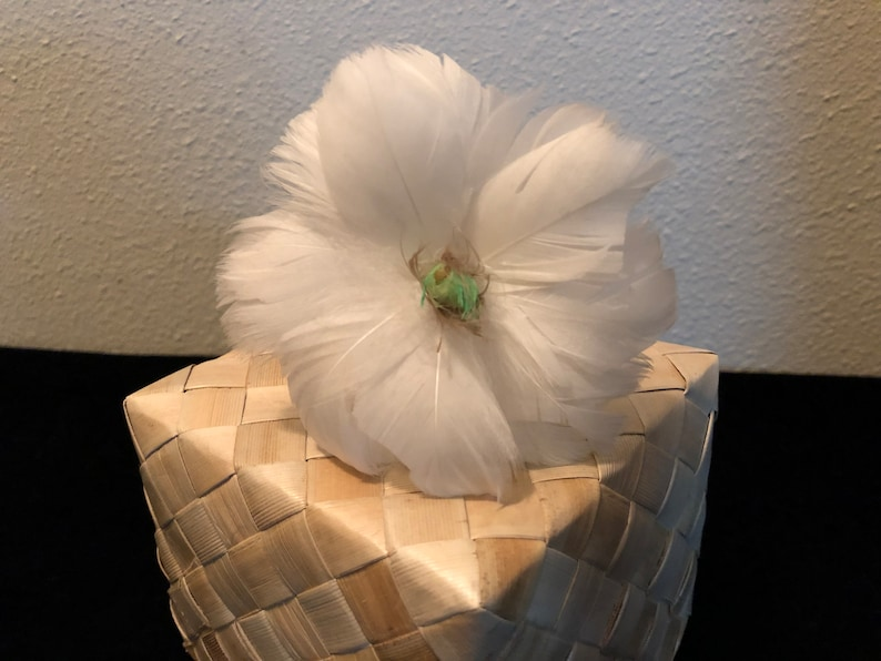 White Tahitian Gardenia Feather Flower Ear Pick,White Gardenia Feather Flower Ear Pick,Feather Flower Ear Pick,Gardenia Flowers,Gardenia