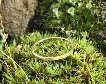18k Yellow Gold Skinny Hammered Stacking Ring Wedding Band