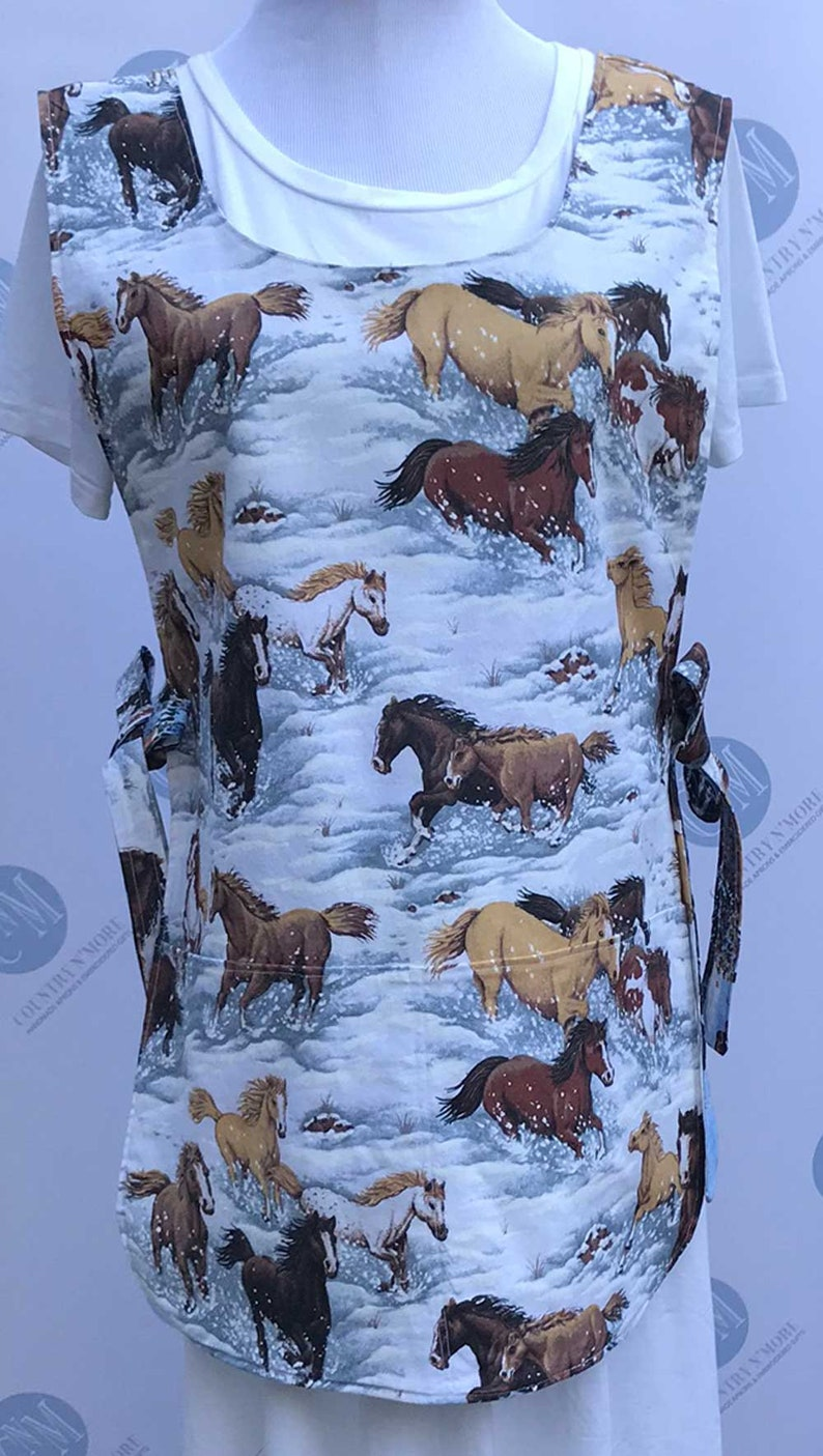 XL and 2Xl Reversible Winter Horse and Town Scene Cobbler Smock Apron Fits Lg