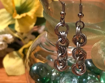 Mobius Chain Maille Earrings, Silver