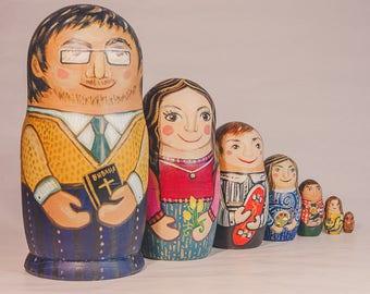 Russian nesting dolls / matryoshka doll / family gift / christmas / personilized present / custom painted / wedding gift / birthday special