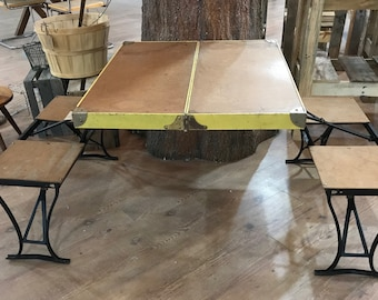 Vintage Handy Milwaukee Stamping Company Folding Camp Table