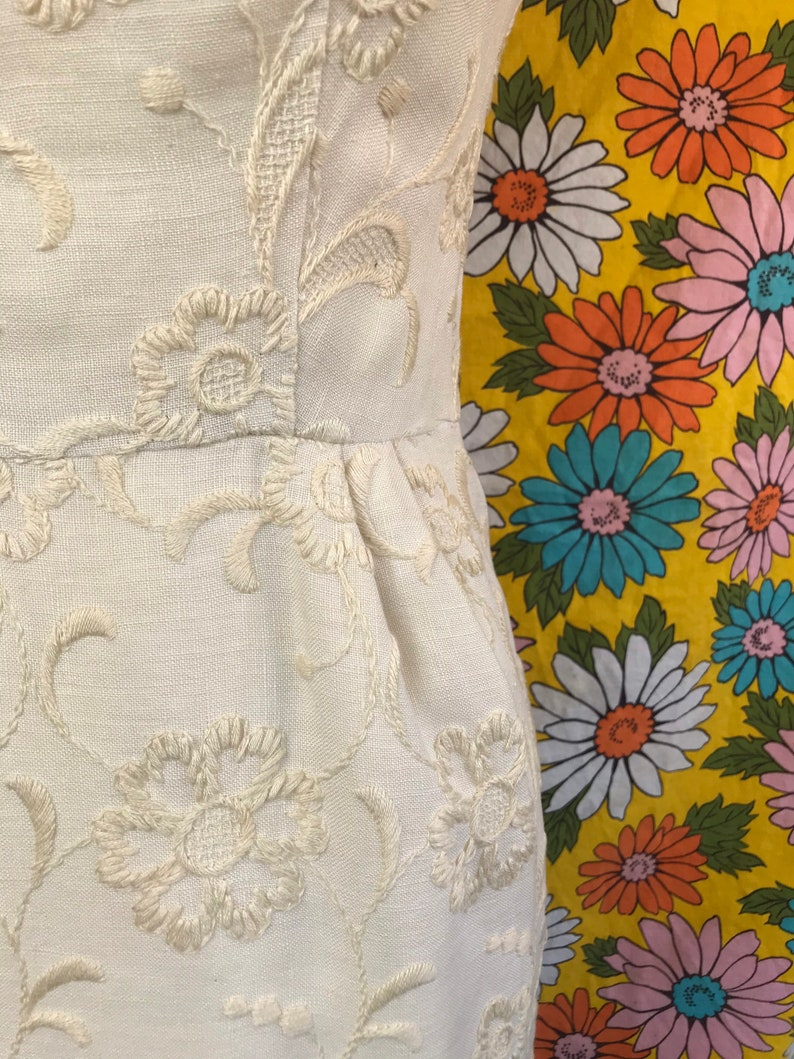 Vintage 1950s 1960s VTG Don Loper Designer Dress Flowers,ivory Dress daisy Designer Floral LOPER Mid Century Modern Mad Men