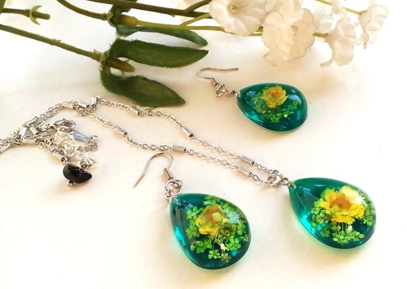 Epoxy Nature Resin Flower Resin Flower Jewelry Set Real Red Flowers Resin Jewelry Flower Resin Earrings Flower Resin Pendant Necklace