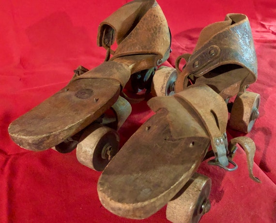 Antique 1800s Ladies Wooden Roller Skates- Size 9