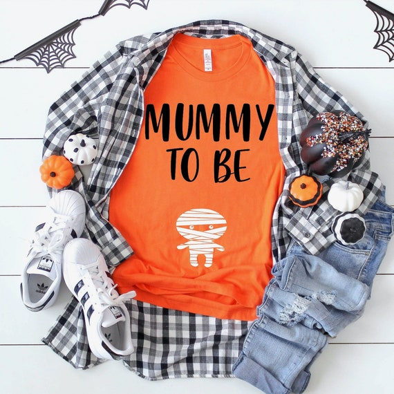 Halloween Pregnancy Announcement Shirt  Mummy To Be Pregnancy