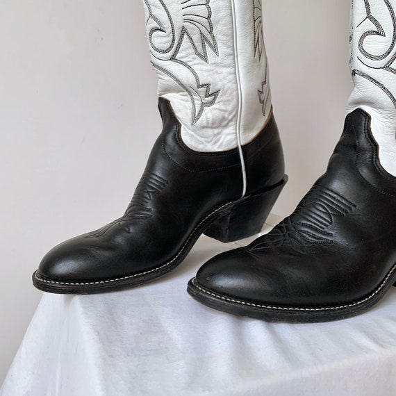 Women's vtg. tall cowboy boots, leather heeled co… - image 5