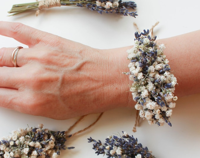 Dried Lavender Babies Breath Corsages / Lavender Wrist Corsage / Dried flowers Wedding / Handmade Bridesmaid Wrist Corsage / Flower Bracelet