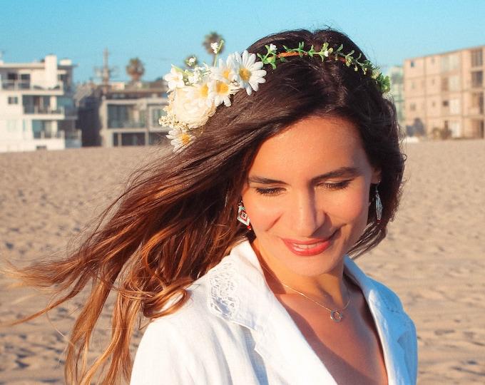 Daisy Flower Crown / Babies Breath Bridal Crown / White Hydrangea Circlet / Greenery Wreath Floral Crown / Boho Wedding Fern Headpiece