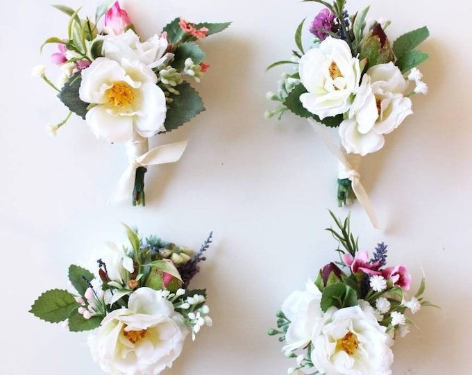 Wedding Boutonniere, Rose Boutonniere with babies breath and wax flowers, Rosebud Wedding buttonhole, Groomsman Gifts, Men's lapel pin