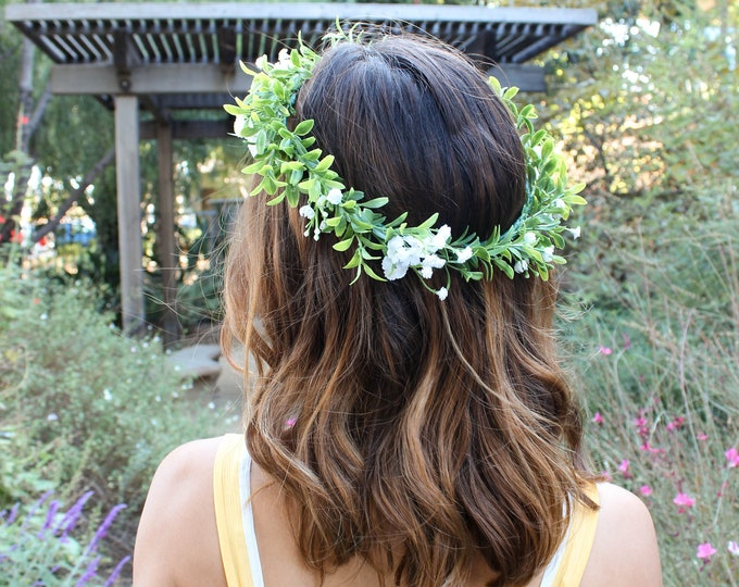 Baby's breath and greenery all around crown / Flower Crown Wedding / White berries Bridal Floral Crown / Green Hair Wreath / Greenery Crown