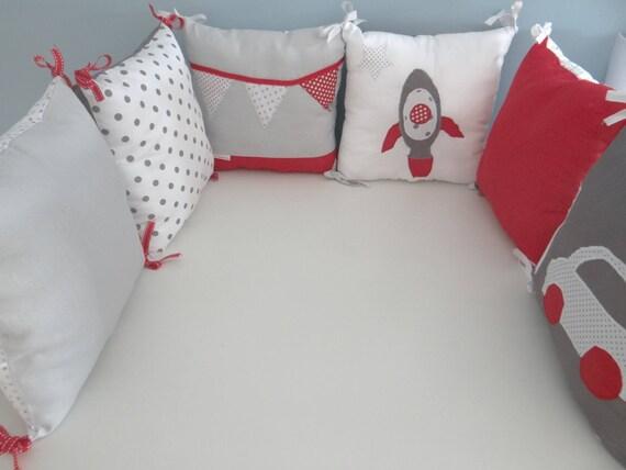 Tour de lit pour bébé gris blanc et rouge | Etsy
