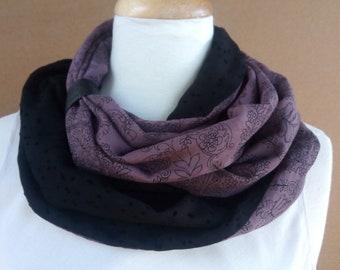 78c98561101 Tour de cou circulaire Infinity motifs violet poudré et noir plumetis  velours modèle crémeux figue