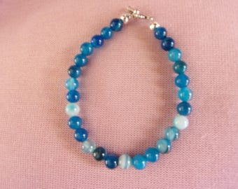 6 mm bright blue agate bracelet with pewter toggle clasp