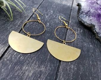 Round Motif Half Circle Chain Earrings