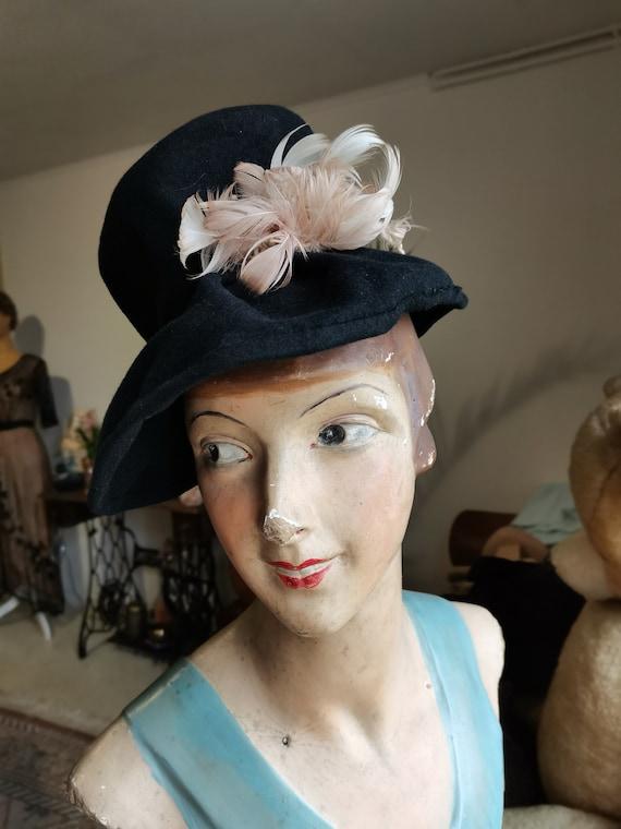 Vintage 1930s 1940s French black hat