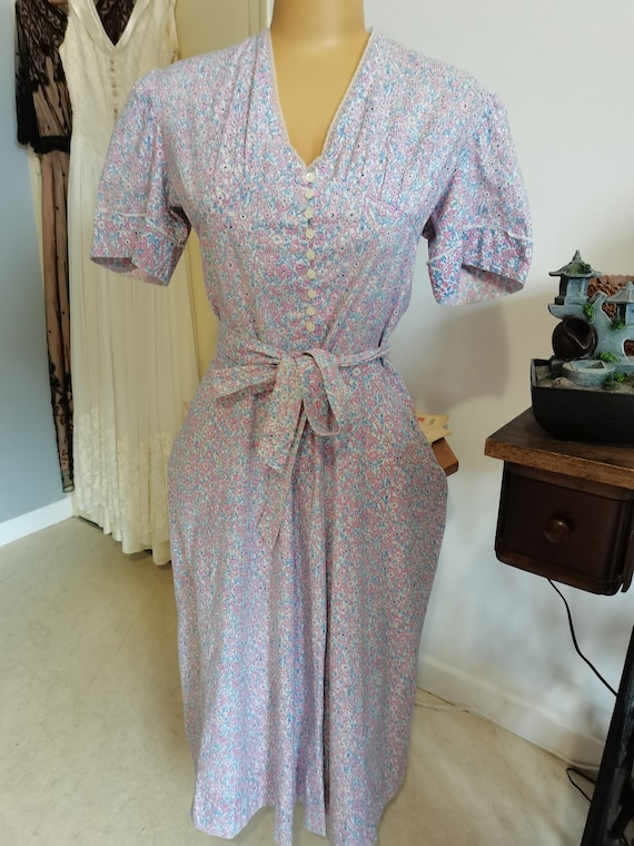 Vintage floral flowers puff sleeves 1940s lace dre