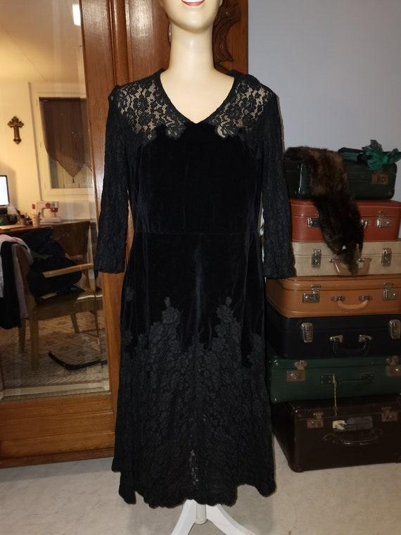Vintage black velvet lace 1930S dress Size  M L