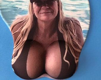 Naughty 3D Mousepad Bikini Boobs