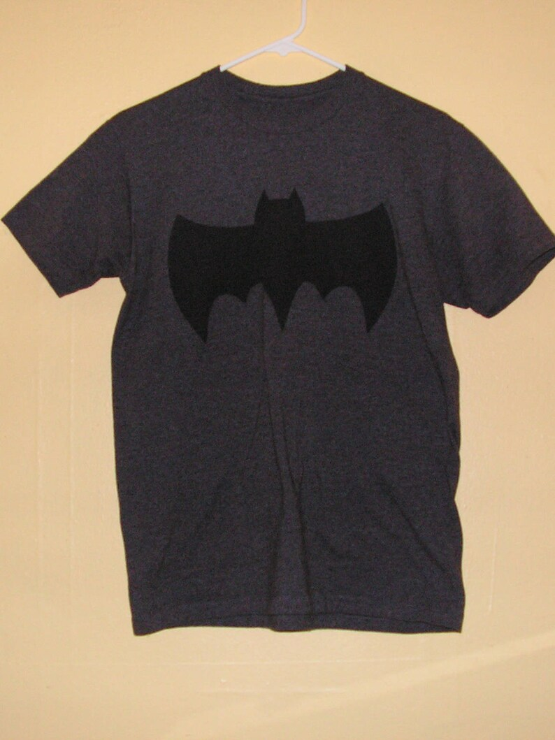 ef0158ee68829 90s BATMAN T-Shirt Adults size Medium official product comic con collection  Vintage tee