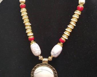 Contemporary beads set