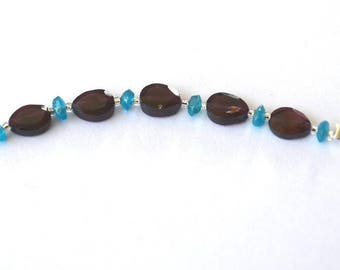 Beautiful lot of 11 beads consists of 5 Garnet and 6 slices of Apatite