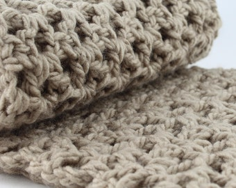 Chunky Taupe Scarf, Oversized Snood, Tan Infinity Scarf for Teen, Crochet Scarf, Gift for Her, Womens Fashion Scarf, Winter Accessory, Beige