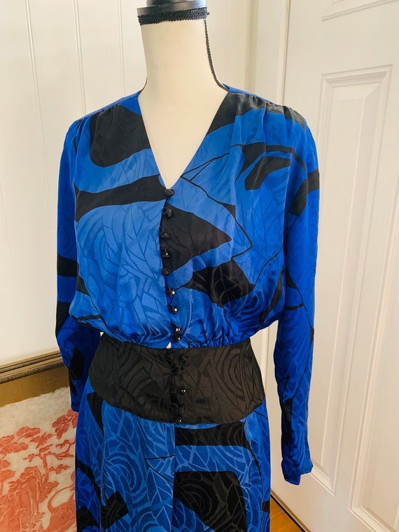 1980's Flora Kung Silk Blue and Black Dress - image 3