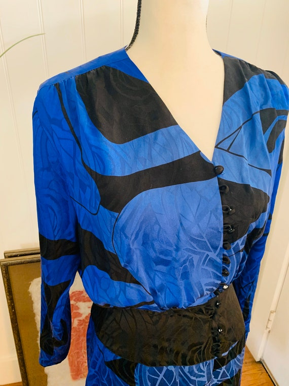 1980's Flora Kung Silk Blue and Black Dress - image 9