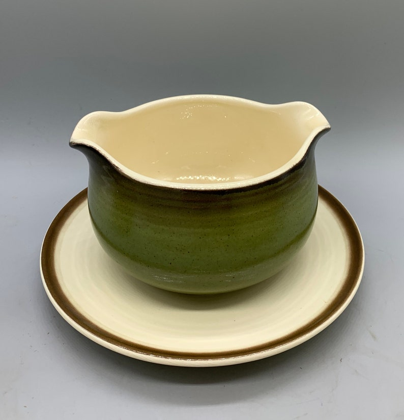 Metlox Poppytrail\u2019s California Strawberry Bowl and Cups And Monterey Lugged Bowl
