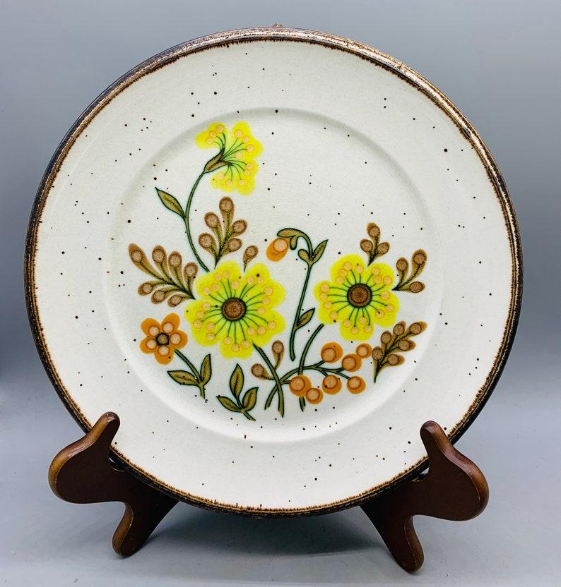 Set of 4 Mismatched Floral 1970\u2019s Floral Stoneware Dinner Plates