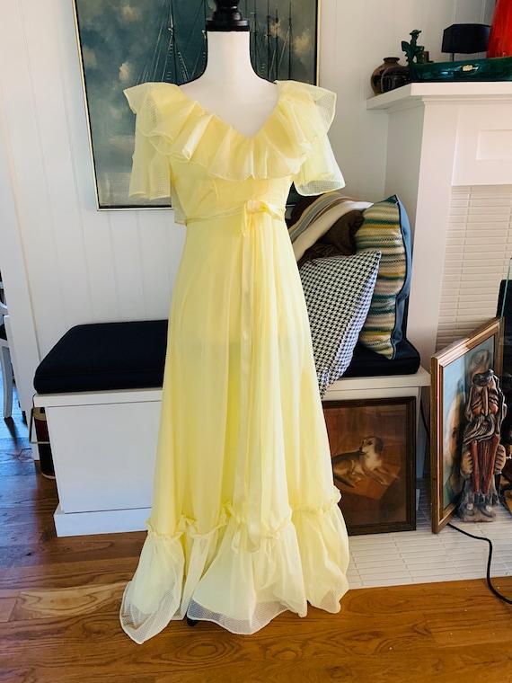 Vintage 1960's Yellow Poplin Prom Dress - image 2